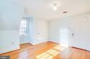 2nd Bedroom has view of backyard - 1612 FRANKLIN ST, FREDERICKSBURG