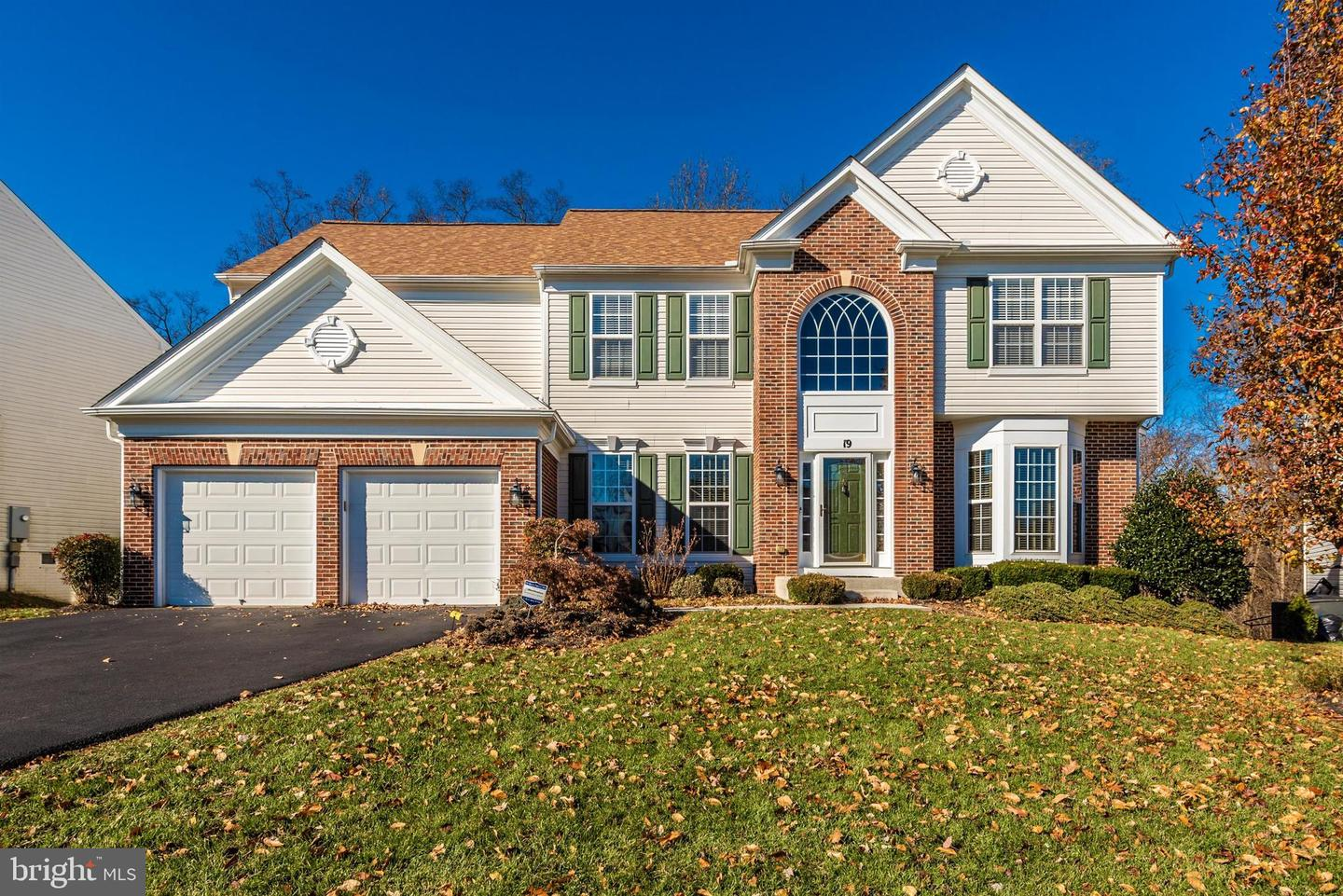 Single Family Homes per Vendita alle ore 19 DONOVAN Court Brunswick, Maryland 21758 Stati Uniti