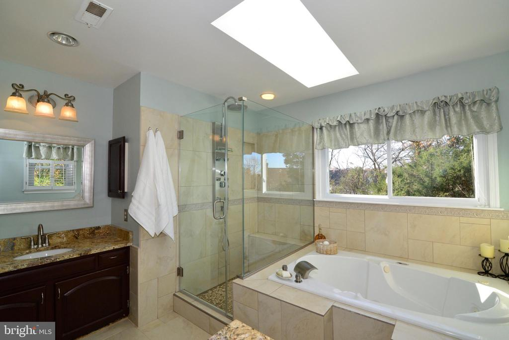Beautifully updated Master Bath - 13703 HOLTON PL, CHANTILLY
