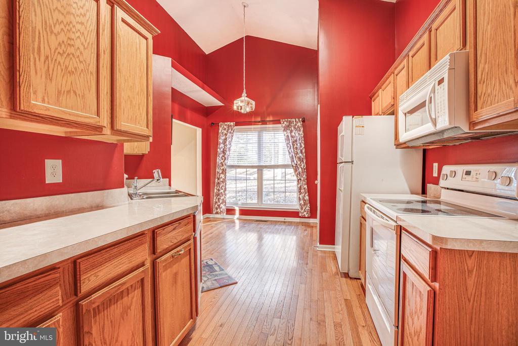Beautiful Kitchen - 1005 LAKE HERITAGE DR, RUTHER GLEN