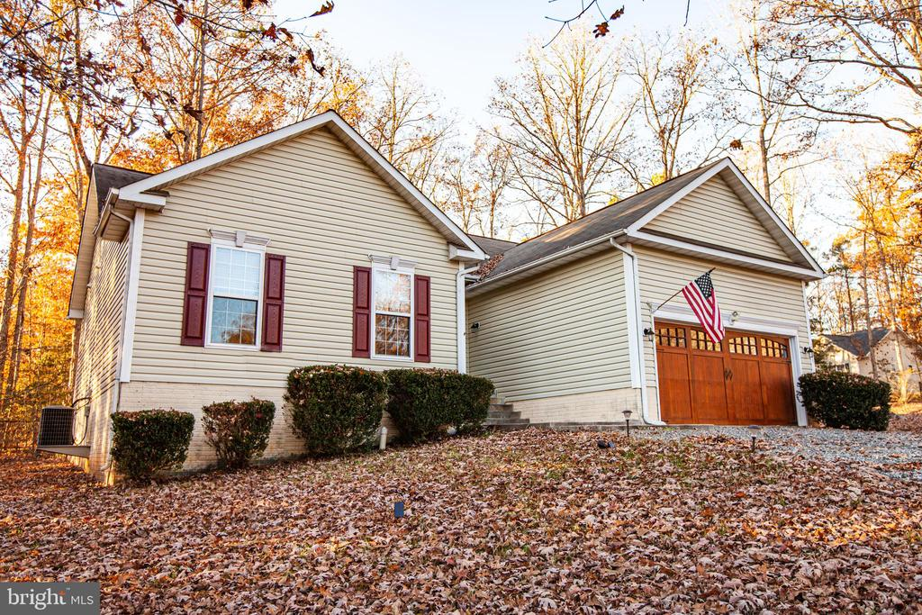 Front - 1005 LAKE HERITAGE DR, RUTHER GLEN
