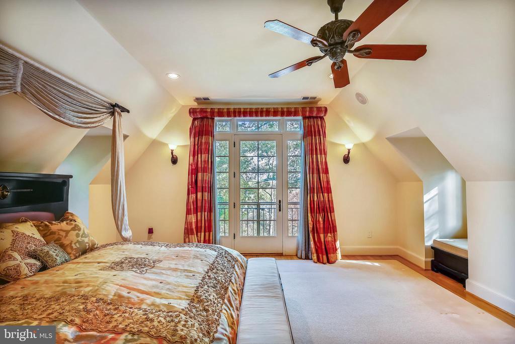 Master Bedroom - 201 N QUAKER LN, ALEXANDRIA