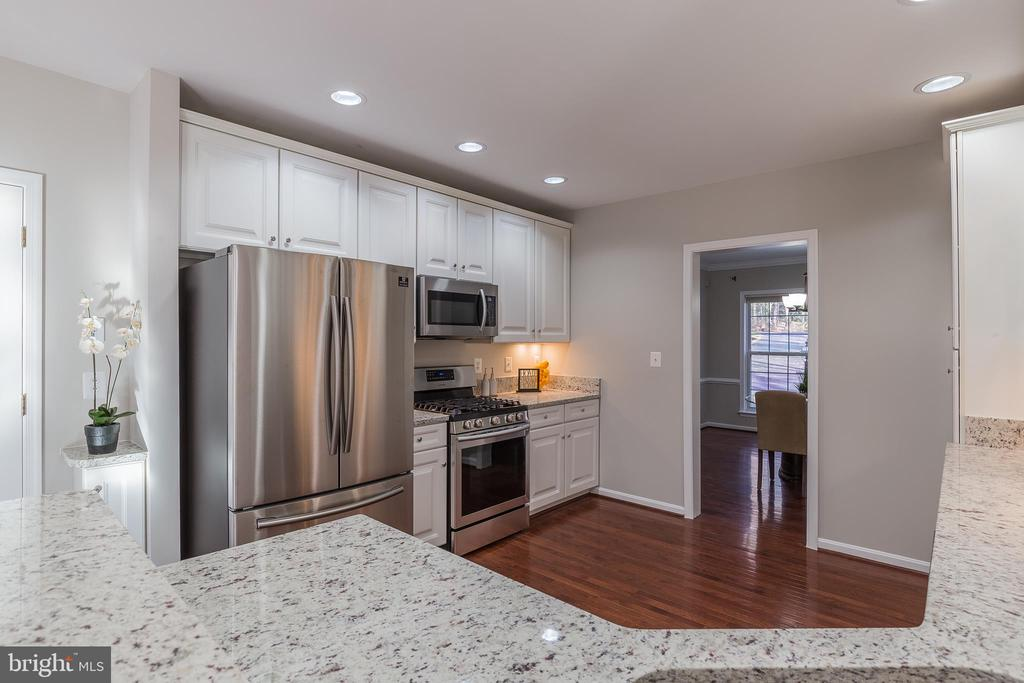Recessed Lighting - 13232 KAHNS RD, MANASSAS