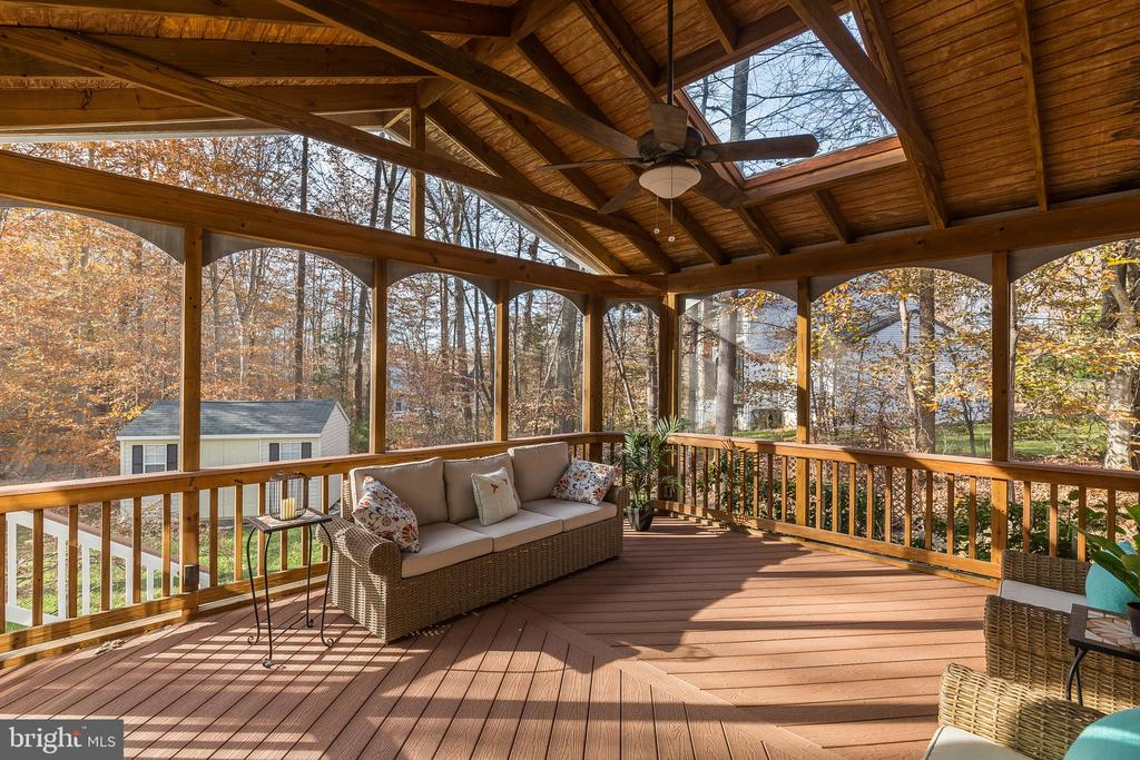 Great Outdoor Living Space! - 13232 KAHNS RD, MANASSAS