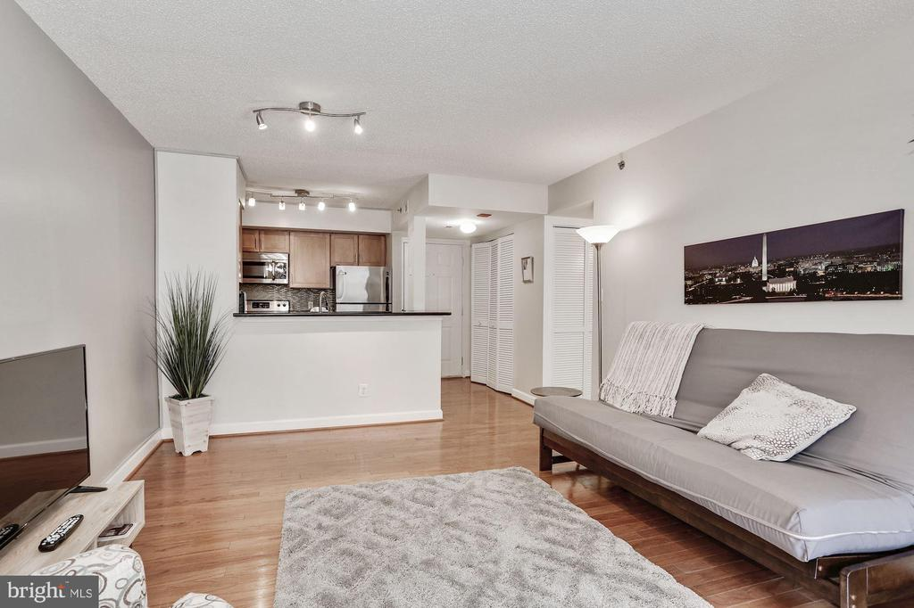Beautiful wood floors - 1024 N UTAH ST #219, ARLINGTON