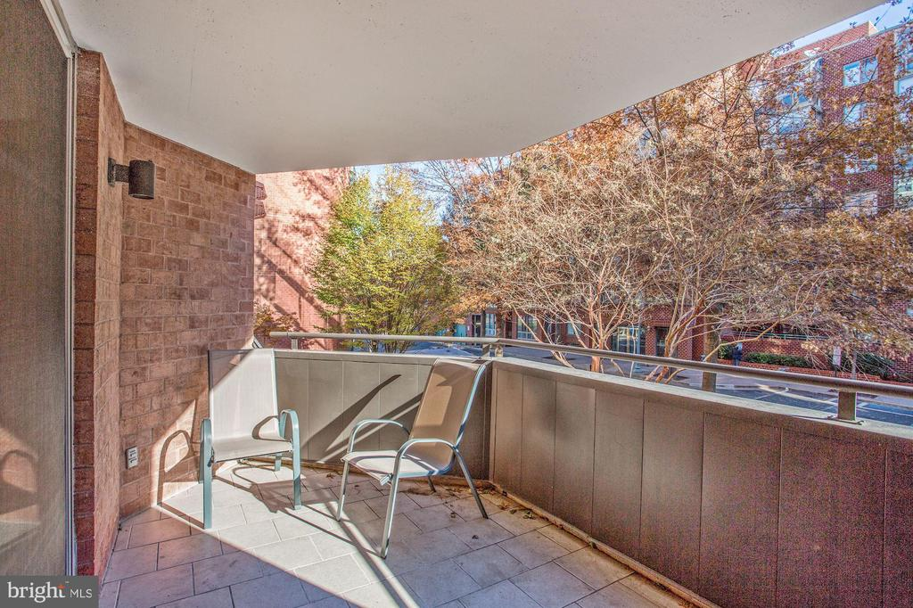 Enjoy the weather on your balcony - 1024 N UTAH ST #219, ARLINGTON