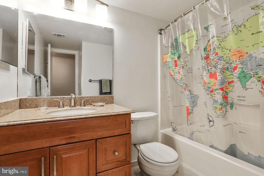 Bathroom with upgraded counters & storage - 1024 N UTAH ST #219, ARLINGTON