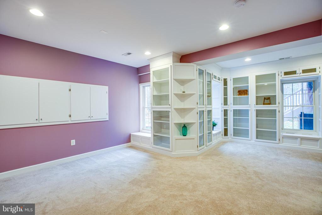 LL Bedroom or Dream Craft Area Awaits your choice. - 11500 BALMARTIN CT, SPOTSYLVANIA