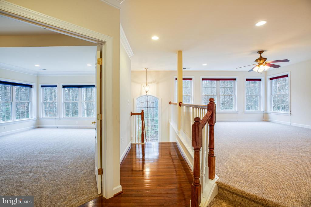 Winged layout with Upper Gathering Area. - 11500 BALMARTIN CT, SPOTSYLVANIA