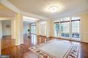 Arched Transoms selected tastefully. - 11500 BALMARTIN CT, SPOTSYLVANIA