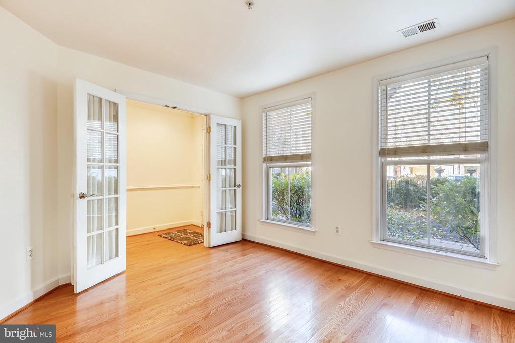 Entry Level Office, Den, Bedroom  - your option - 812 CAPITOL SQUARE PL SW, WASHINGTON
