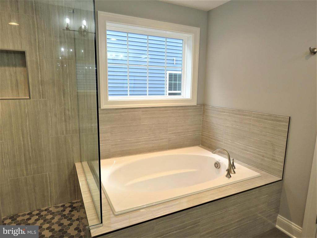 similar owner's soaking tub - 515 BEALL AVE, ROCKVILLE