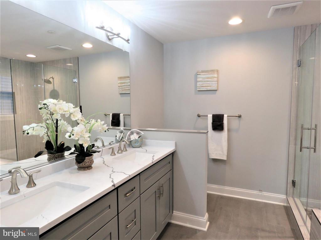 similar owner's bath - 515 BEALL AVE, ROCKVILLE