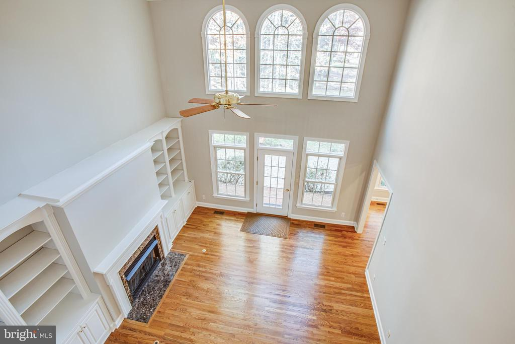 Family Room has soaring ceilings and tall windows - 11502 GENERAL WADSWORTH DR, SPOTSYLVANIA