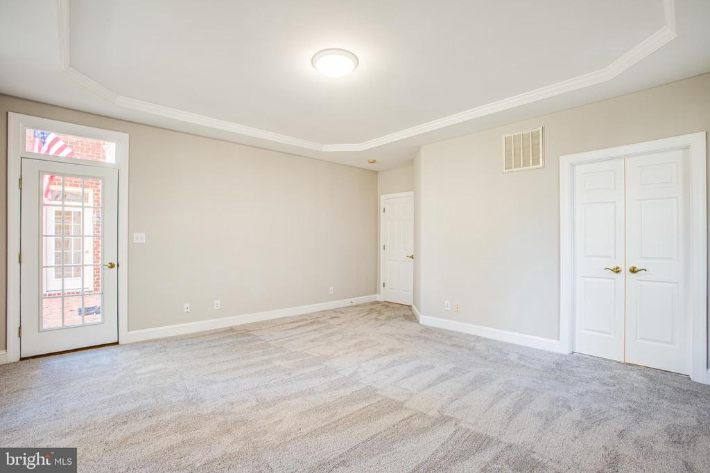 Master Bedroom leads out to the rear patio - 11502 GENERAL WADSWORTH DR, SPOTSYLVANIA