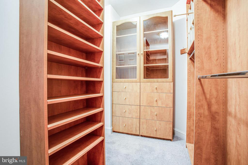 Built-ins in walk-in closet - 11502 GENERAL WADSWORTH DR, SPOTSYLVANIA