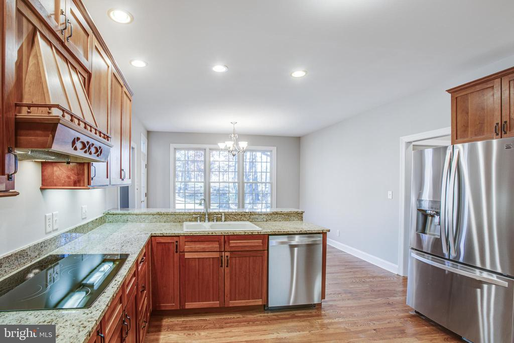 Lovely space for meal prep - 11502 GENERAL WADSWORTH DR, SPOTSYLVANIA