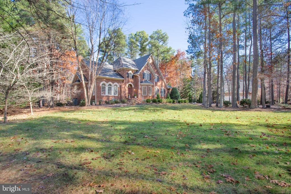 This home is set back on your lot for privacy - 11502 GENERAL WADSWORTH DR, SPOTSYLVANIA