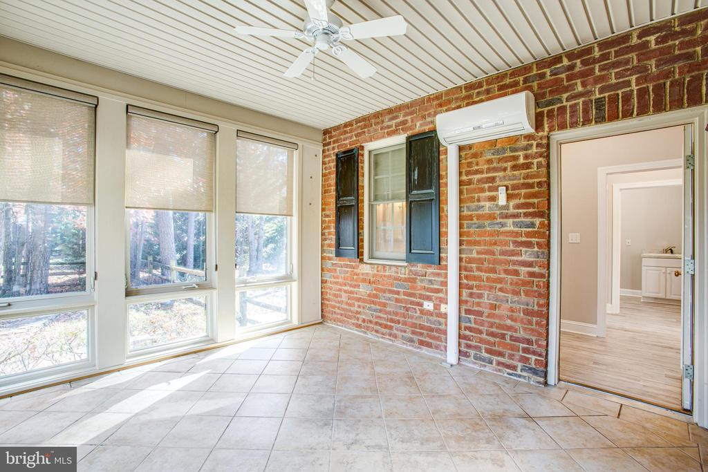 Sun porch adds more space for relaxing - 11502 GENERAL WADSWORTH DR, SPOTSYLVANIA