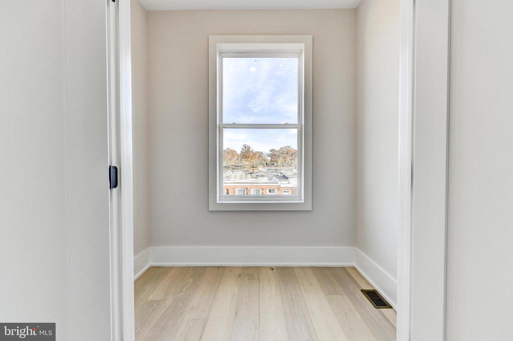 LARGE master BR closet! - 1944 CAPITOL AVE NE #3, WASHINGTON