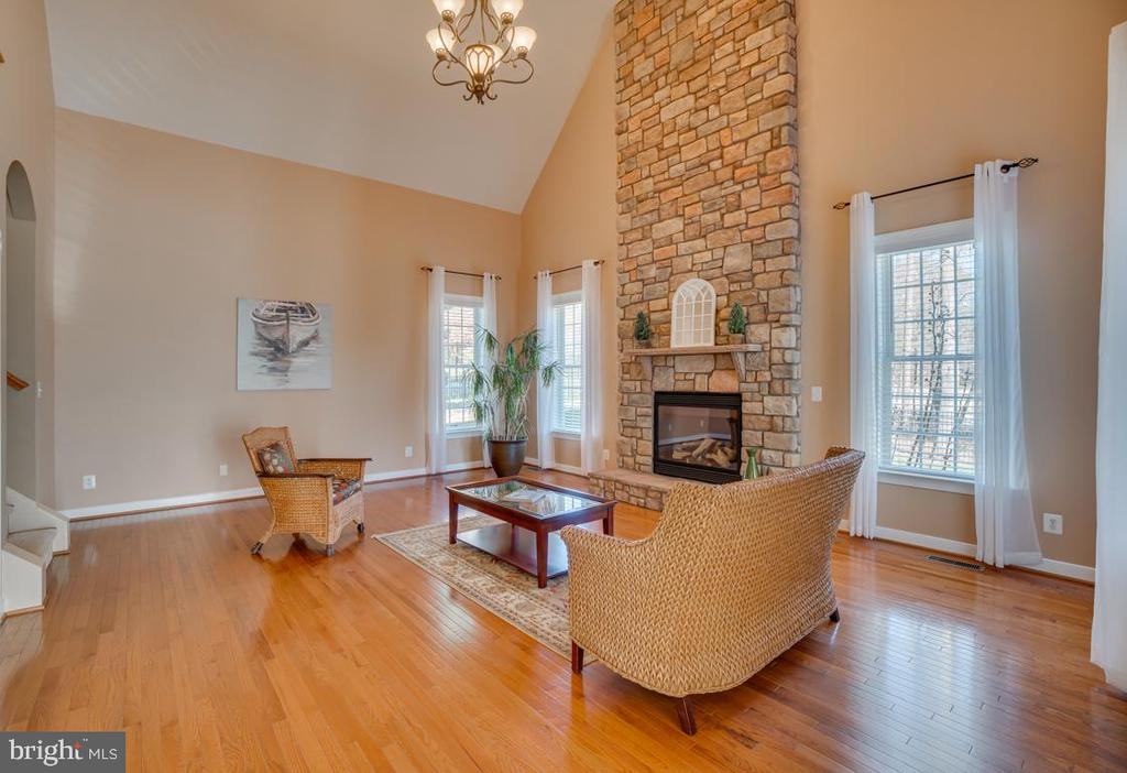 Tons of Natural Light makes this room cheerful - 3 GRISTMILL DR, STAFFORD