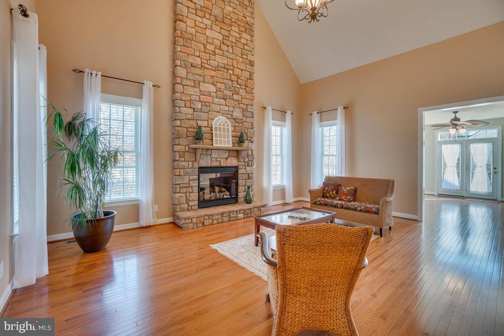 Cathedral Ceilings & Chandelier Access Sunroom - 3 GRISTMILL DR, STAFFORD
