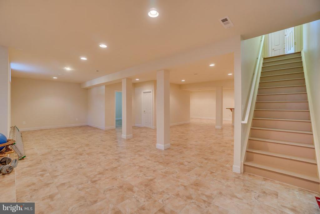 Fully Finished Basement with 9 Ft Ceilings - 3 GRISTMILL DR, STAFFORD