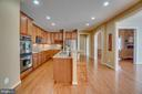Kitchen, Sunroom, Family & Breakfast flow together - 3 GRISTMILL DR, STAFFORD