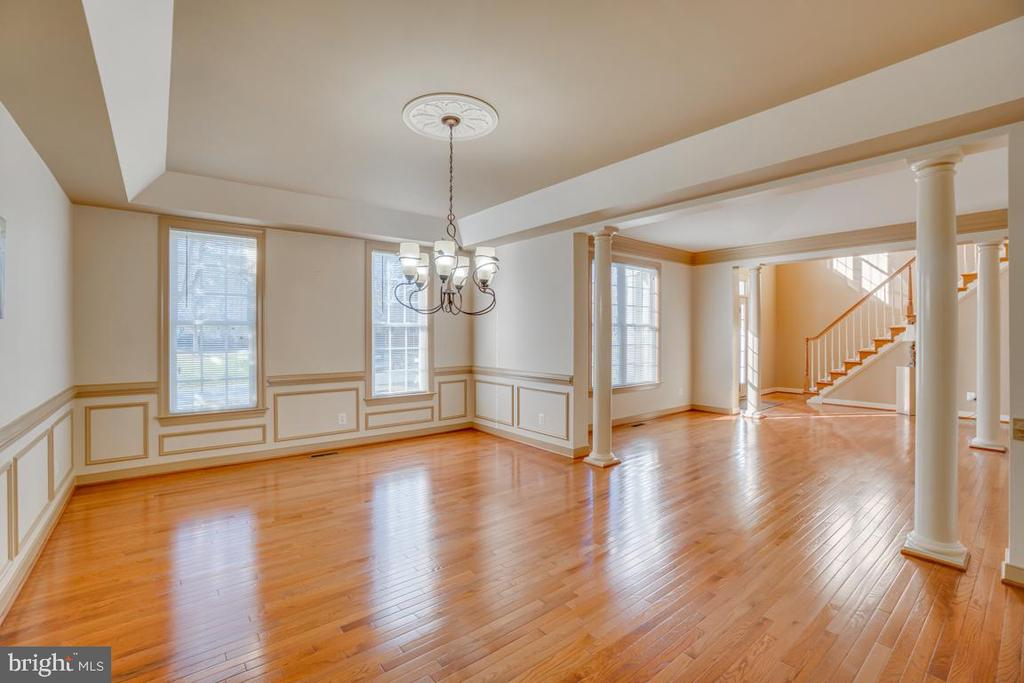 Into the Formal Dining Room with Tray Ceiling - 3 GRISTMILL DR, STAFFORD