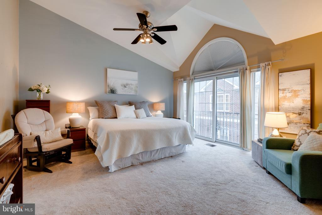Master bedroom - 3028 S GLEBE RD #3028, ARLINGTON