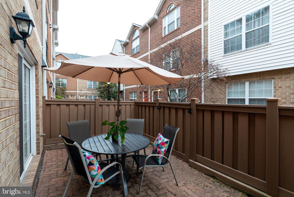 Patio - 3028 S GLEBE RD #3028, ARLINGTON