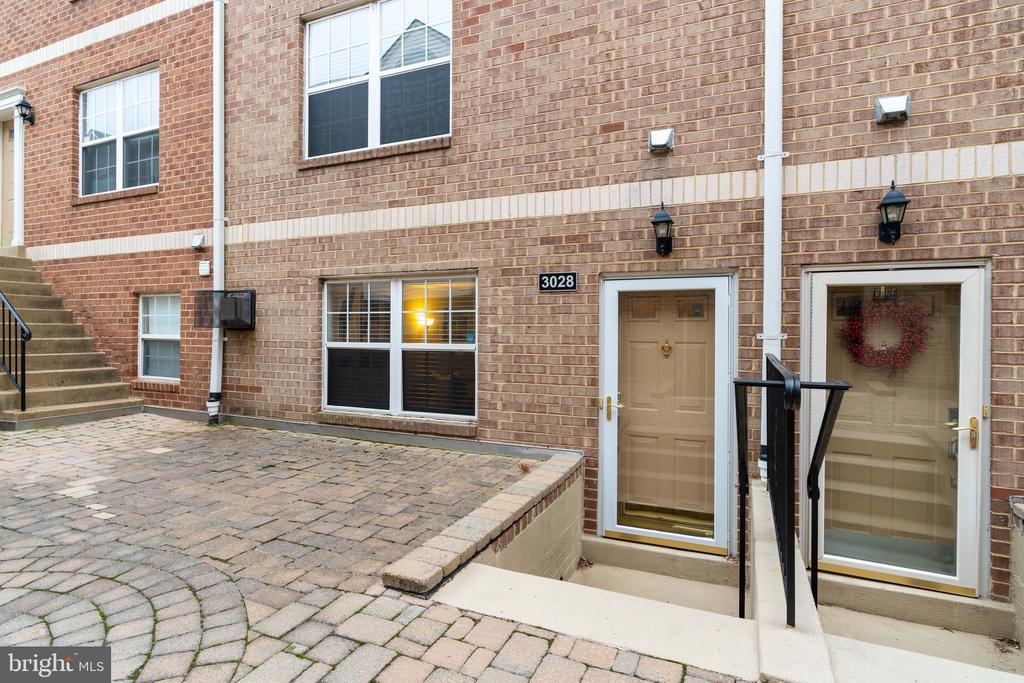 Exterior entrance view - 3028 S GLEBE RD #3028, ARLINGTON