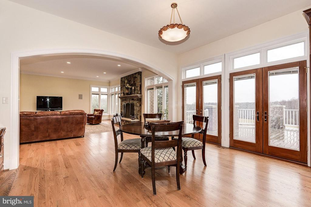French doors to deck - 16311 BARNESVILLE RD, BOYDS