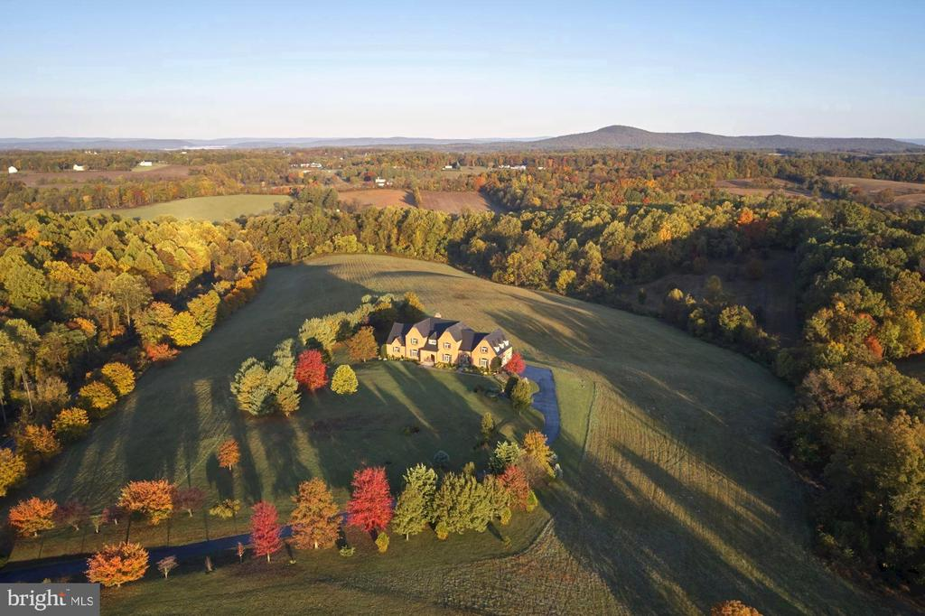 Welcome Home!! - 16311 BARNESVILLE RD, BOYDS
