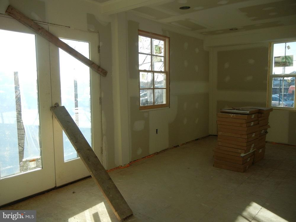 Family Room - 2801 CHANNING ST NE, WASHINGTON