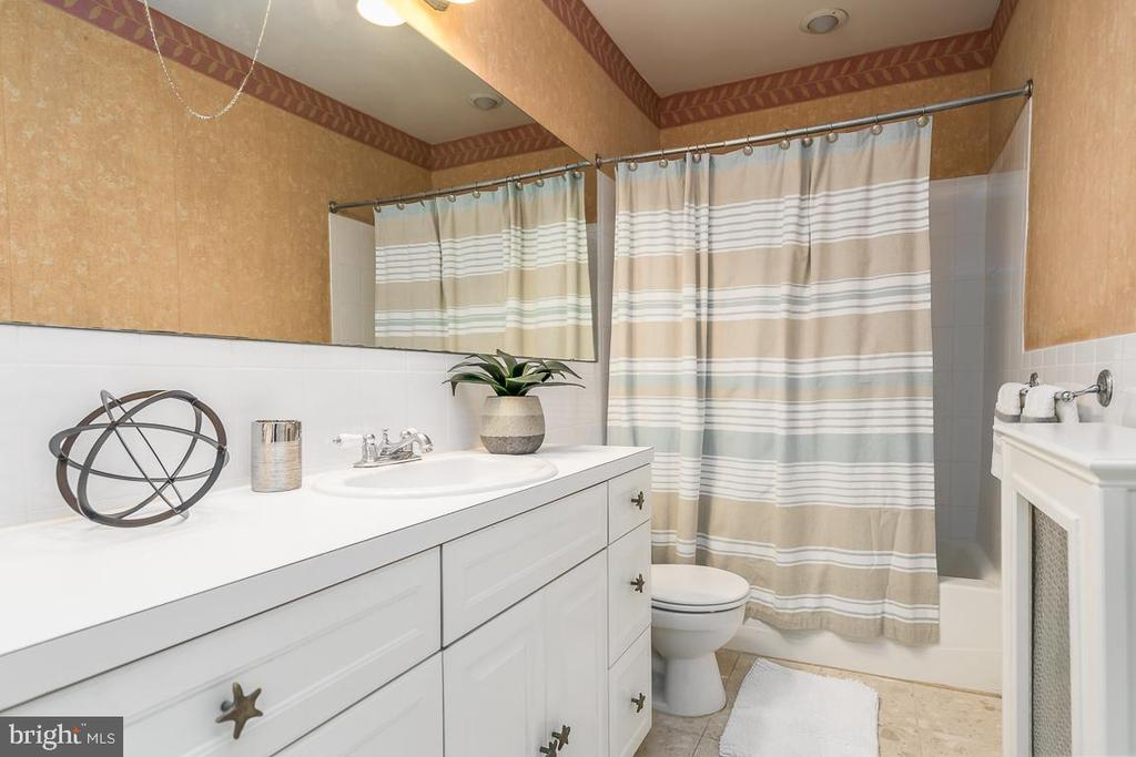 Second bathroom - 1932 38TH ST NW, WASHINGTON