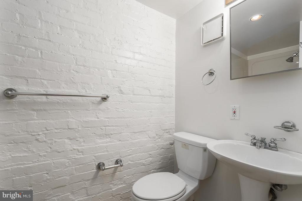 Third bathroom - 1932 38TH ST NW, WASHINGTON