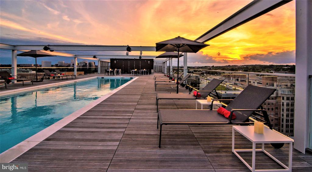 25 meter heated rooftop pool - 1111 24TH ST NW #74, WASHINGTON