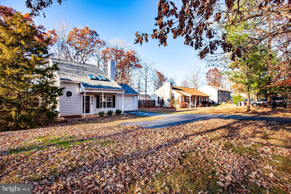 - 35387 WILDERNESS SHORES WAY, LOCUST GROVE