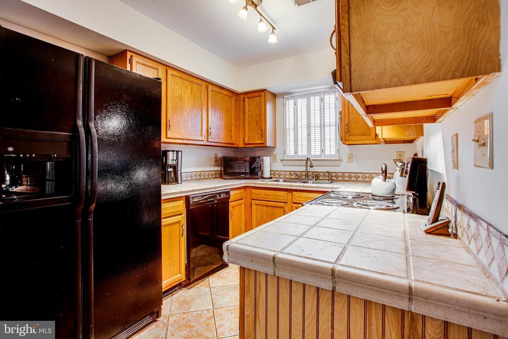 Kitchen - 35387 WILDERNESS SHORES WAY, LOCUST GROVE