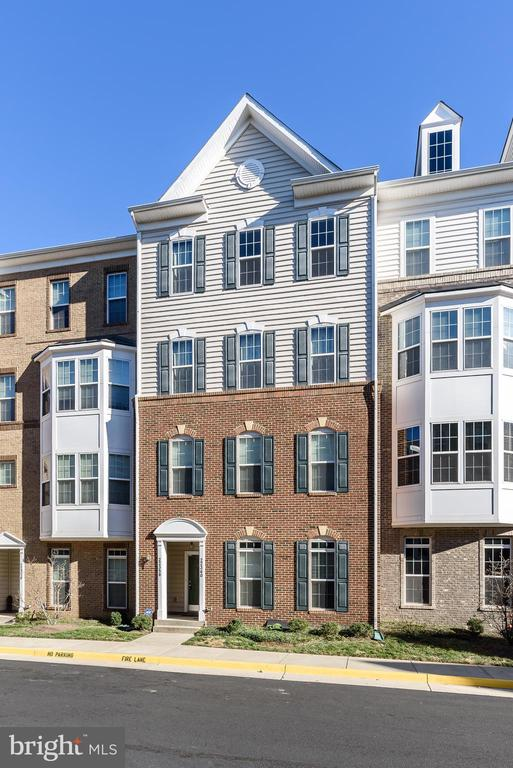 MLS VALO399512 in RESIDENCES AT DULLES PRK