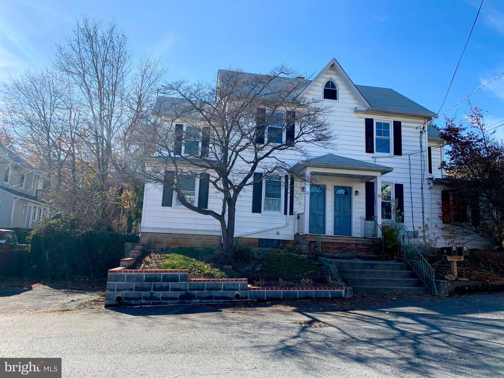 Front - 4 HOOD ST, MOUNT AIRY