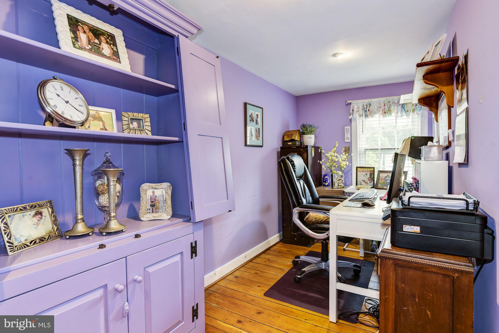 Master - Office/Sitting Area