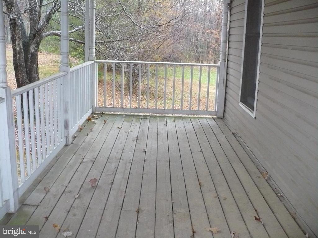 Porch 2 - 33322 PARKER RD, LOCUST GROVE