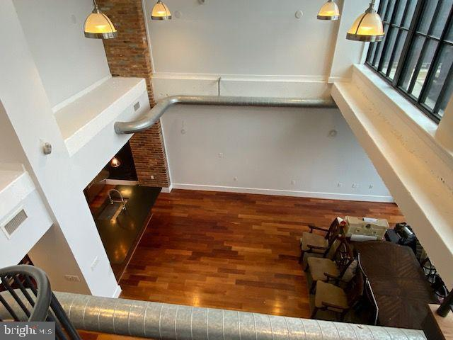 Spacious main living area from inner balcony - 1615 N QUEEN ST #M604, ARLINGTON