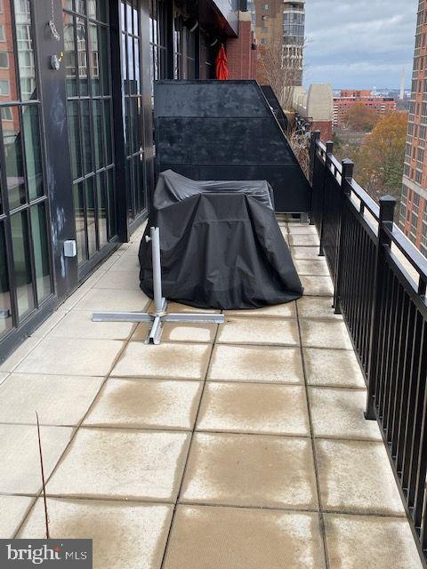 Huge, firm outdoor terrace - 1615 N QUEEN ST #M604, ARLINGTON