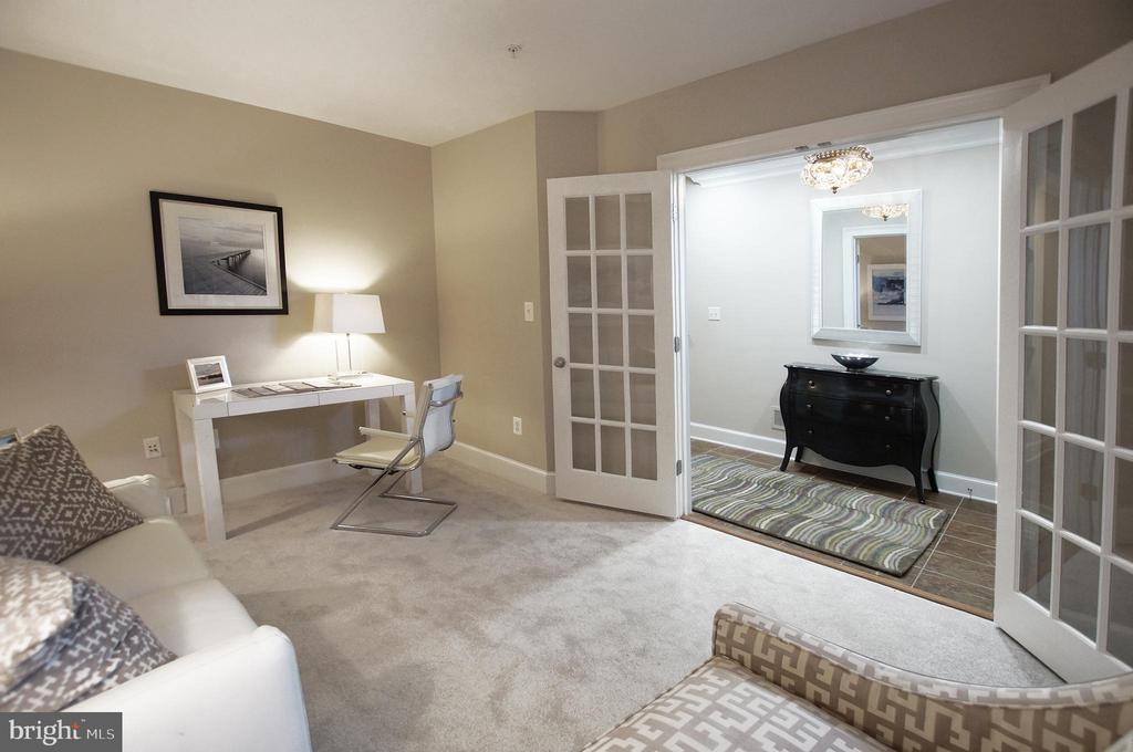 French doors open to a den  off the formal entry - 1335 INDEPENDENCE CT SE, WASHINGTON
