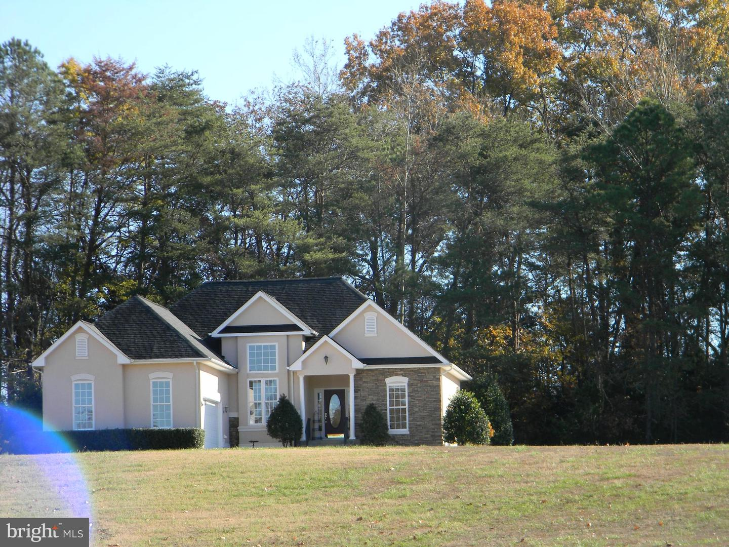 Single Family Homes للـ Sale في Colonial Beach, Virginia 22443 United States