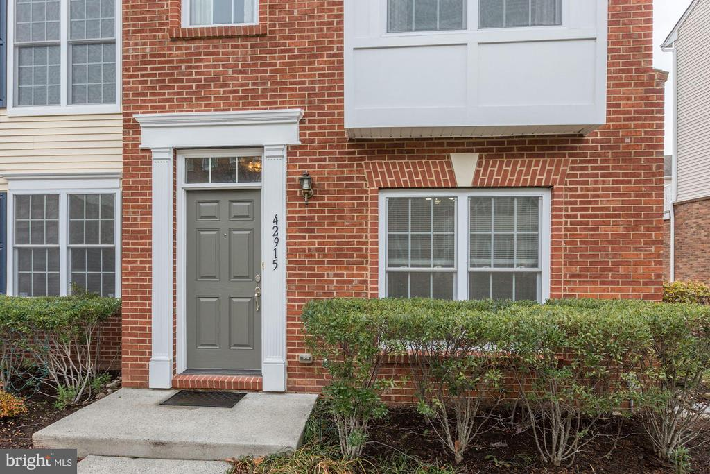 Townhouse Style Condo in South Riding - 42915 PAMPLIN TER, CHANTILLY