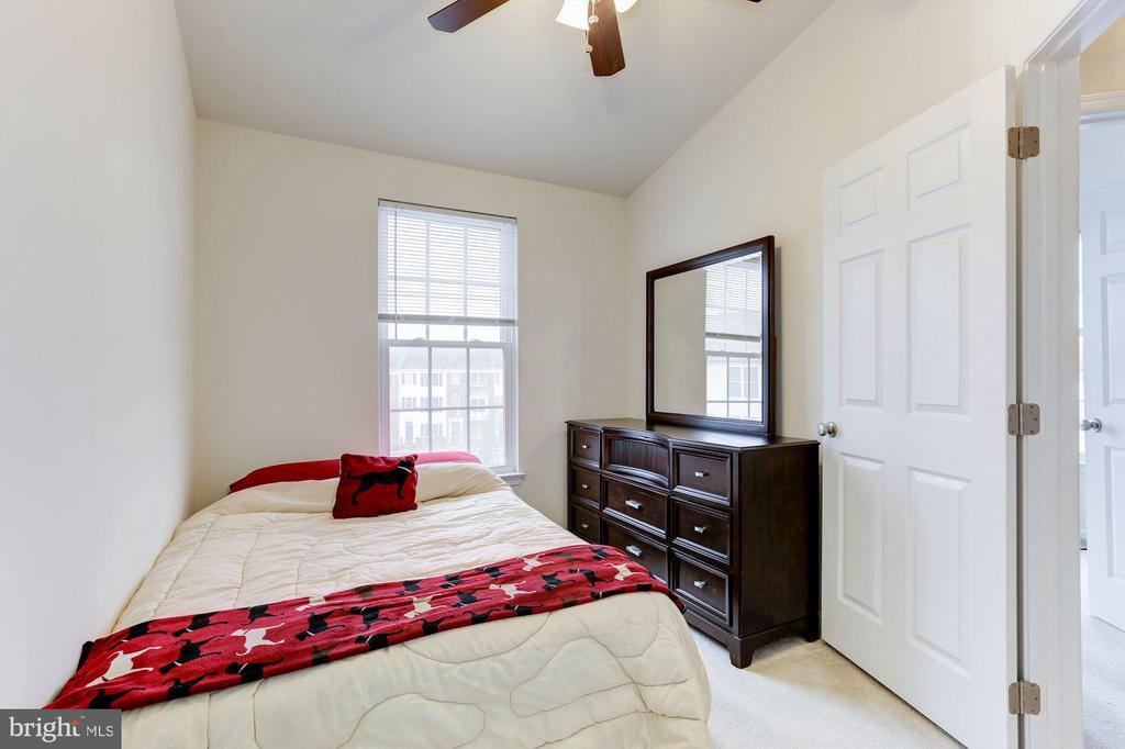 Second Bedroom - 42915 PAMPLIN TER, CHANTILLY